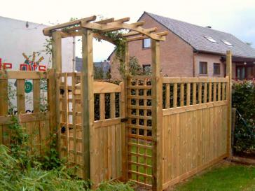 Houten tuinhek met poort